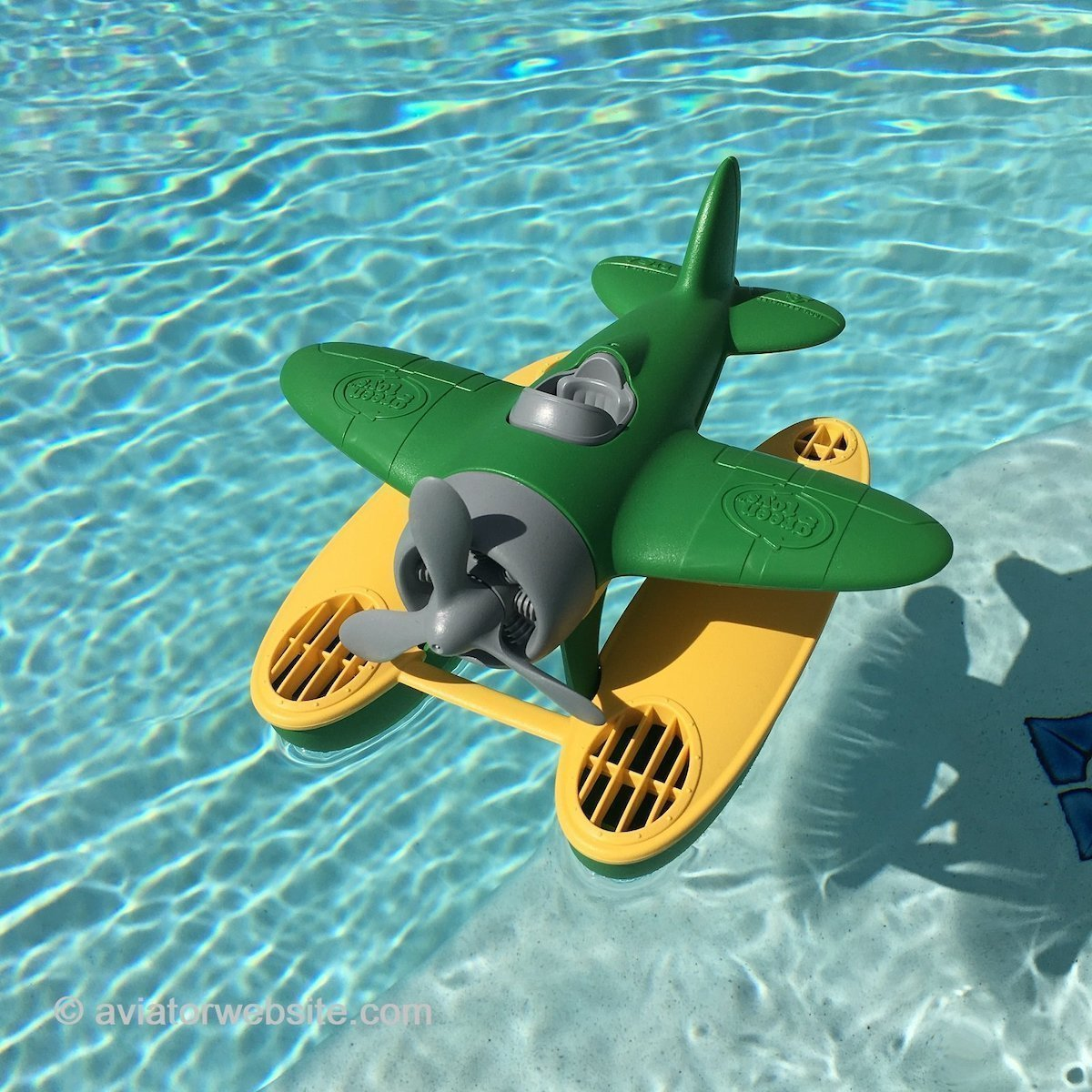 Seaplane plastic toy by Green Toys